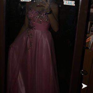 a pink strapless prom dress